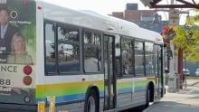 hi-wdr-bus-windsor-transit-at-station