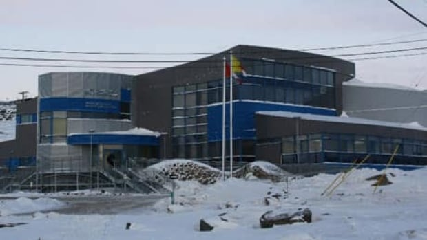 mmi-iqaluit-courthouse-laura-wright