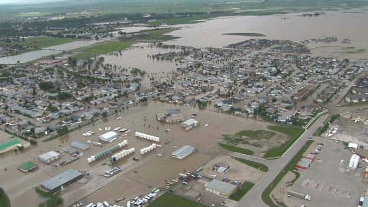Alberta Could Have Reduced Flood Damage Critics Say