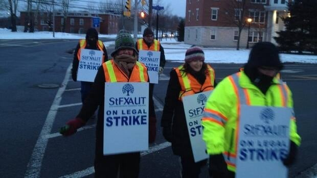 Unionized faculty members at St. Francis Xavier University in Antigonish began picketing Monday morning.