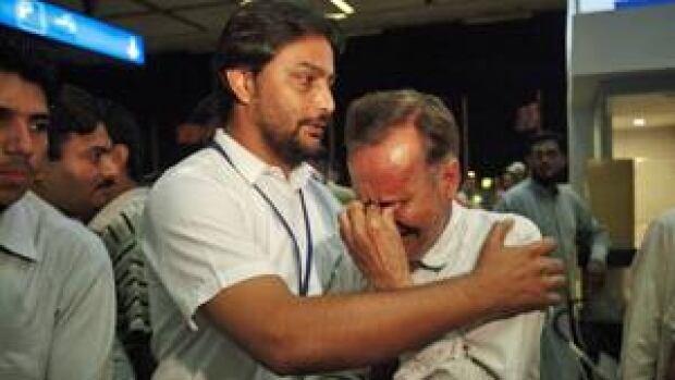 ii-pakistan-crash-300-rtr30