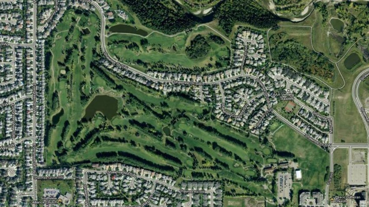 Shawnee development final word delayed till january for House plans for golf course lots