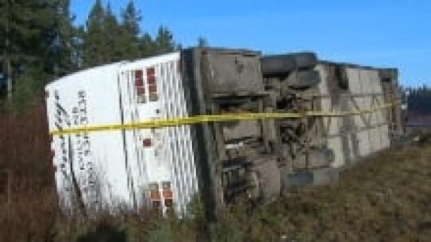 ns-bus-crash_220x124_1