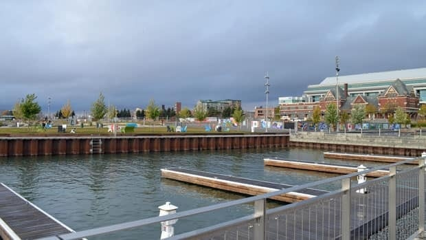 A series of open houses and feedback sessions in Thunder Bay brought forward two main themes from residents: diversify and improve the waterfront and create denser development within the built-up areas of the city.  Jeff Walters/CBC