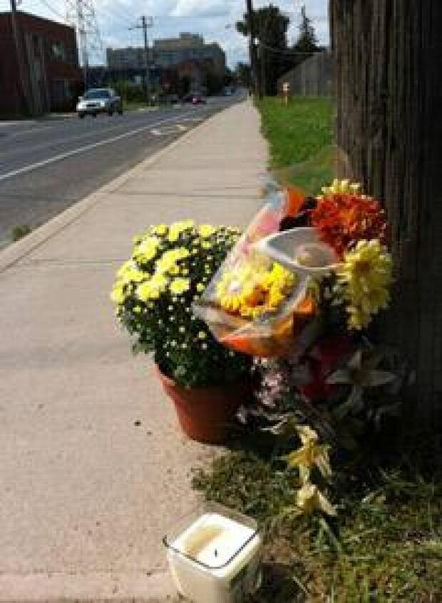 si-220-flowers-vigil