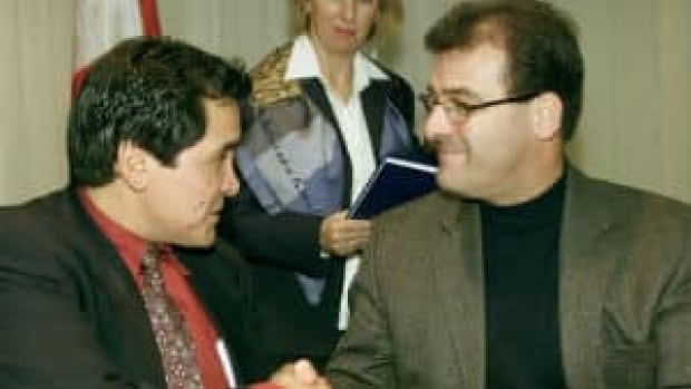 Robert Nault (right) in 2002 when he was minister of the Department of Indian Affairs and Northern Development.