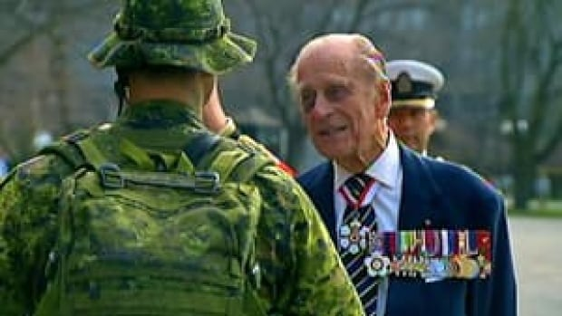 si-prince-philip-queens-park-300-130427