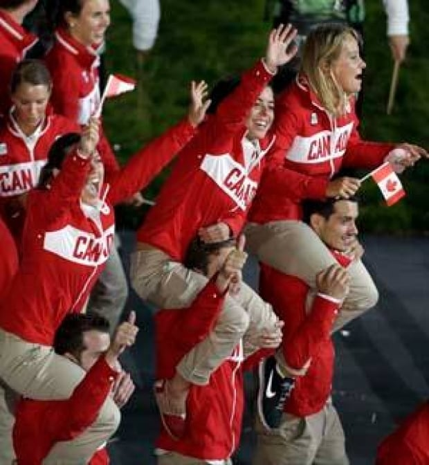 si-olympics-canadians-300-cp-03008366