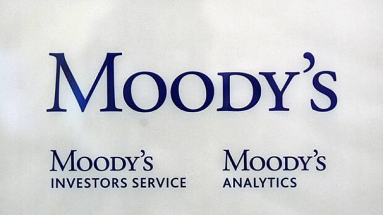 Moody's to cut U S  rating if no budget deal   CBC News