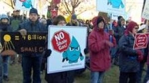 si-shale-gas-protest-220