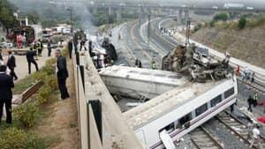 si-spain-rail-crash-300px