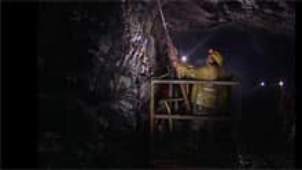 si-yukon-mine-underground-220-file
