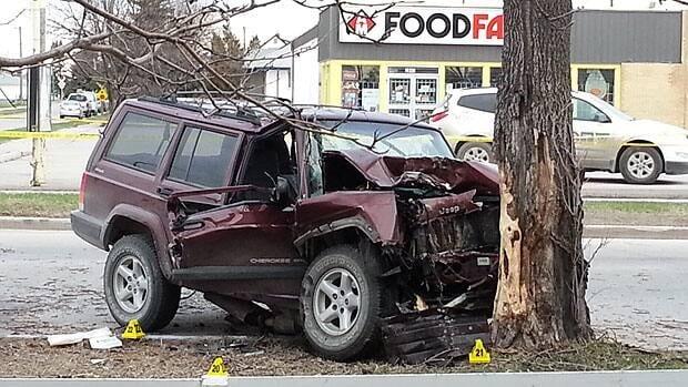 Man Dies In Winnipeg Crash Cbc News