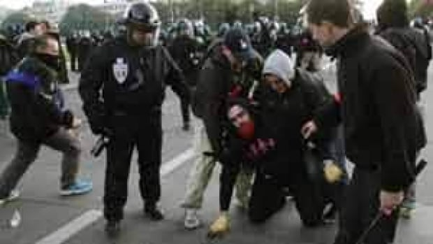 si-300-french-protester-arrested