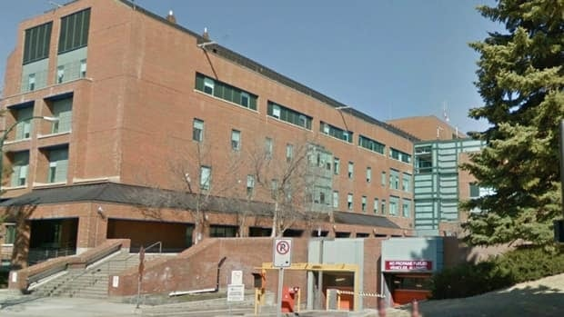 Alberta Health Services have closed Unit 4C at a hospital in Lethbridge after an outbreak of Clostridium difficile infection.