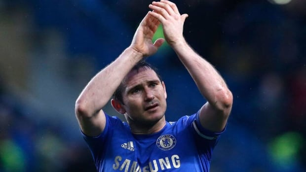Frank Lampard scored his 200th goal for Chelsea to help secure a 2-0 win over his former club West Ham, while Dimitar Berbatov also punished his old team by scoring at Tottenham to give Fulham a 1-0 victory.