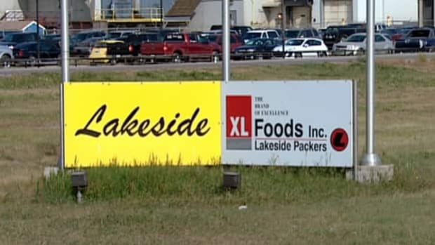 XL Foods Inc. in Brooks, Alta., has started shipping products from the meat processing plant.