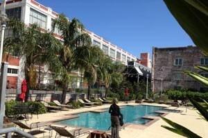 pool-300