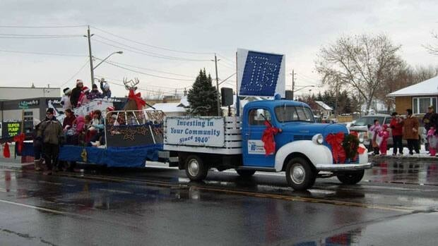 Thunder Bay's Santa Claus parade will be on Saturday, Nov. 17, if organizers manage to get a permit in time.