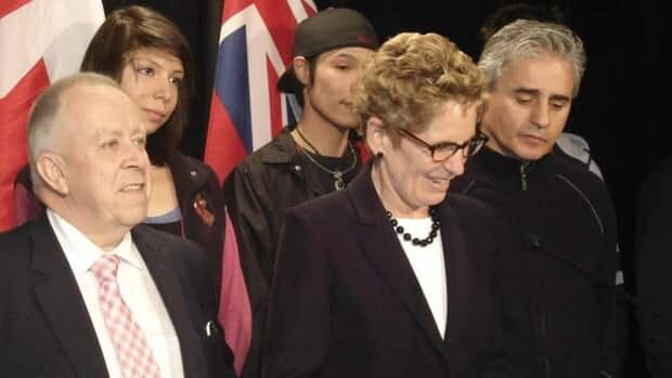 Ontario Premier Kathleen Wynne visited Thunder Bay on Thursday. She was accompanied by Liberal MPPs for the region Michael Gravelle (left) and Bill Mauro (right).