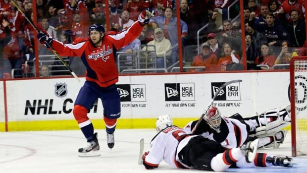 Capitals right wing Eric Fehr (16) signed a two-year contract extension with the team on Wednesday. Fehr has eight goals and eight assists this season with Washington.