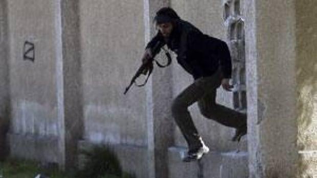 300-syria-gun-rtr3cinr