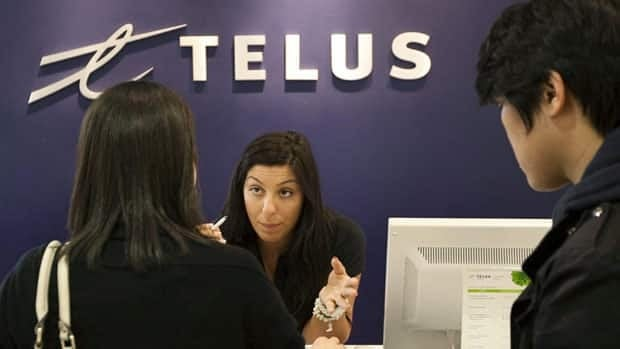 By using the internet, watching video and sending emails, Telus' smartphone customers drove up wireless data revenue by 23 per cent in its third quarter.