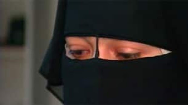mtl-naema-niqab-muslim-veil