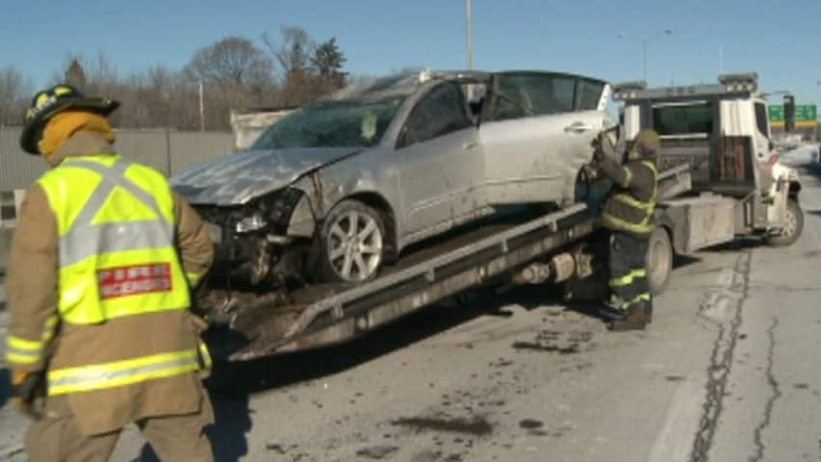 Tow Truck Saskatoon >> Drivers feeling ripped off by unregulated tow trucks ...
