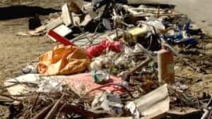 si-river-debris-300