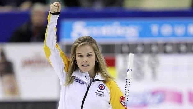 Four-time national champion Jennifer Jones defeated Quebec's Marie-France Larouche to settle for bronze at the Scotties Tournament of Hearts on Sunday.