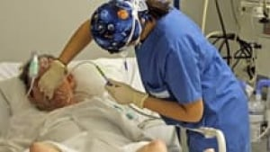 si-nurse-patient-hospital-2