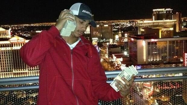 "Winnipeg Jets forward Evander Kane caused an uproar Wednesday when he posted this photo on social media with the accompanying tweet: ""Hey @FloydMayweather pick up your phone cause I'm callin #imdifferent @jduppal"""