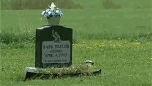 nb-baby-taylor-headstone