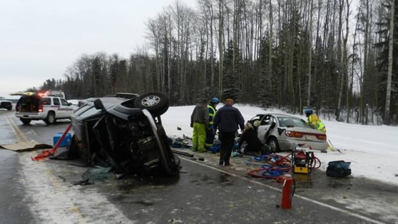 4 die in highway crashes in northern Alberta | CBC News