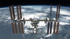 hi-852-international-space-station-nasa-695148main_s134e010137