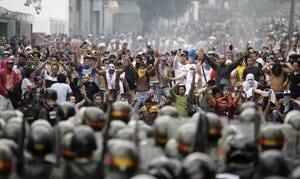 mi-protesters-venezuela-300