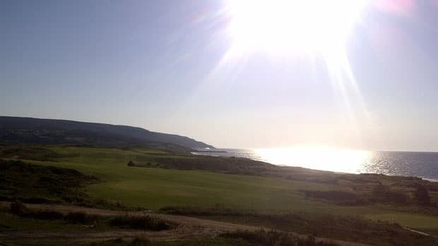 The success of Cabot Links golf course (pictured above) has lead to the construction of sister course Cabot Cliffs in Inverness. (Kevin MacLellan/CBC)