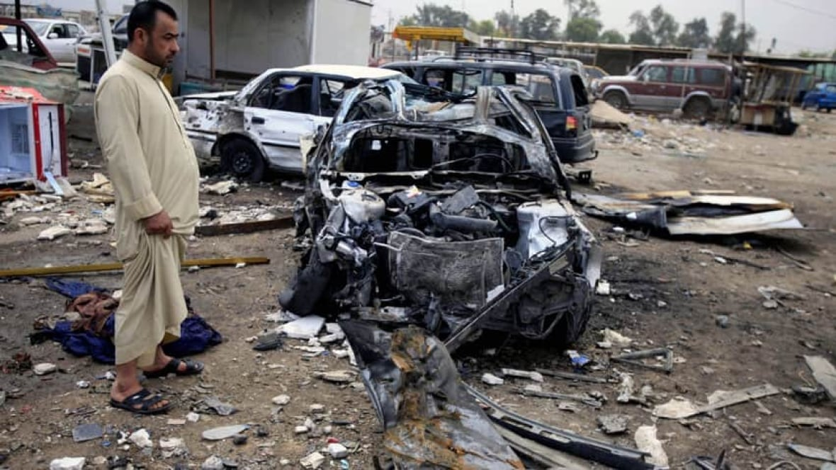 38 dead in twin bombing in Iraq