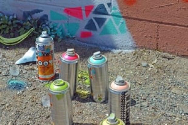 mi-spray-paint-cans-300