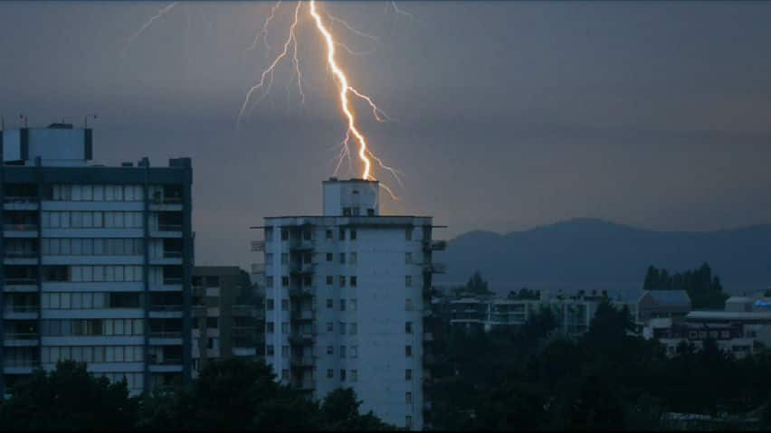 Lightning storm rips across Metro Vancouver | CBC News