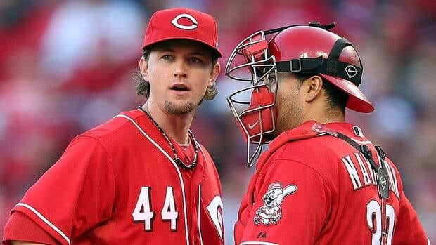 Pitcher Mike Leake has agreed to a one-year, $3.06-million US deal with the Reds. He made $507,500 last season, going 8-9 with a 4.58 ERA in 30 starts, a career high.