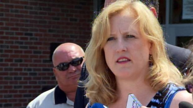 Newly-appointed Transport Minister Lisa Raitt visited Lac-Mégantic on Wednesday.