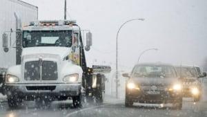 hi-winter-traffic-03754758