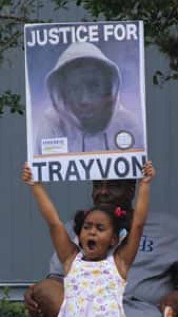 si-trayvon-supporter-047232