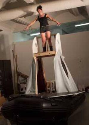 si-cetus-beluga-boat
