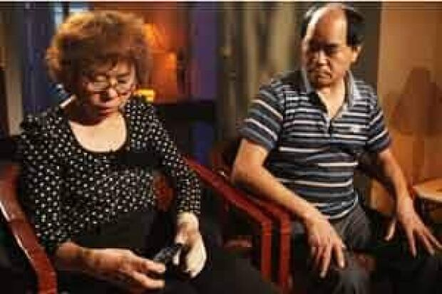 si-jun-lin-parents-120716