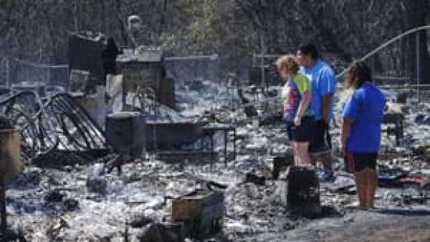 in-300-wildfires-homes
