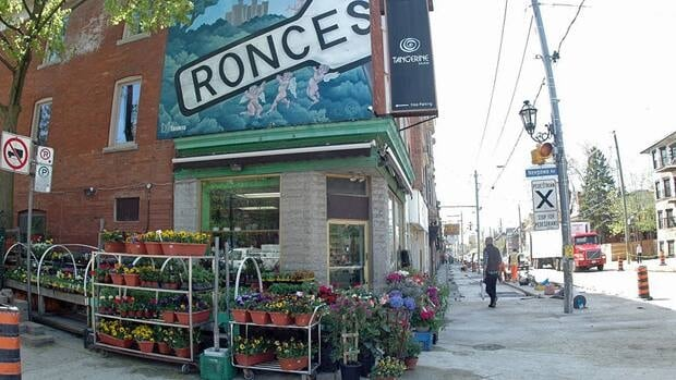 Residents and merchants in the Roncesvalles neighbourhood are working to keep the street free of discarded cigarette butts.