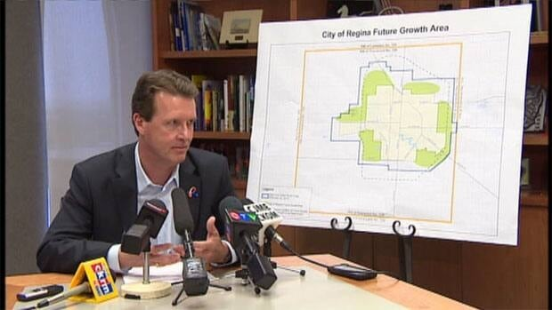Regina's Mayor, Michael Fougere is taking steps twoards expanding the city by negotiating with a nearby rural municipality.